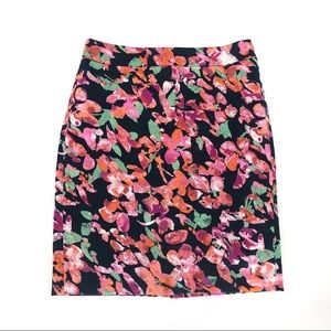 Ann Taylor abstract floral pencil skirt 8